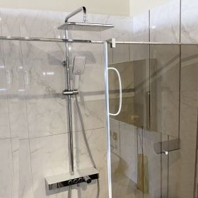 Vema Wellness Chrome/ White Thermostatic Shower System